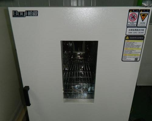花桥美华电子225L200度烤箱试验箱2台